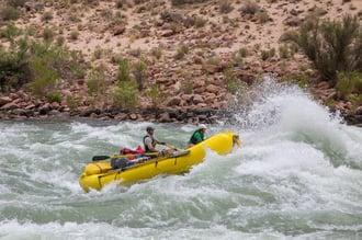 rafting-3903622_1920