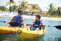 norwegian-pearl-cruising-belize-kayak
