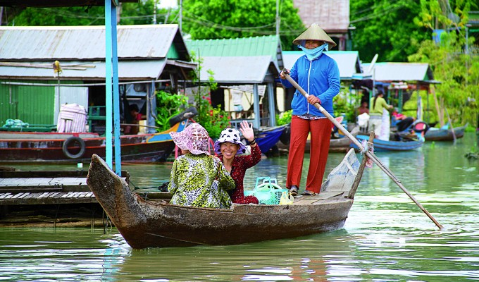 Cambodia_Floating_Village-680x400