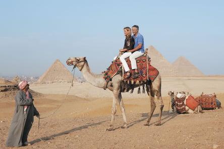 egypt-pyramids-camel-guided-tour-giza