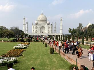 Taj Mahal Crowd